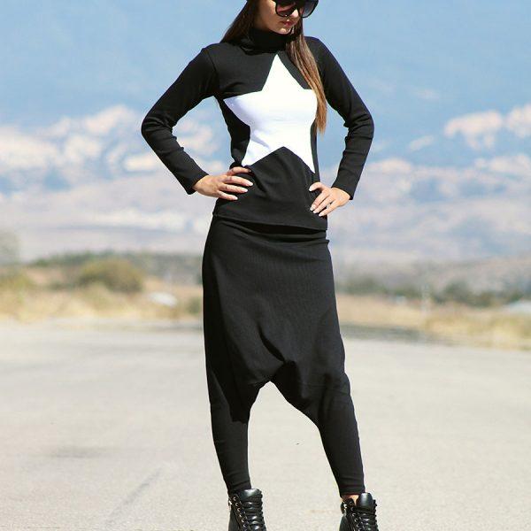 Спортна дамска блуза в черно с бяла звезда