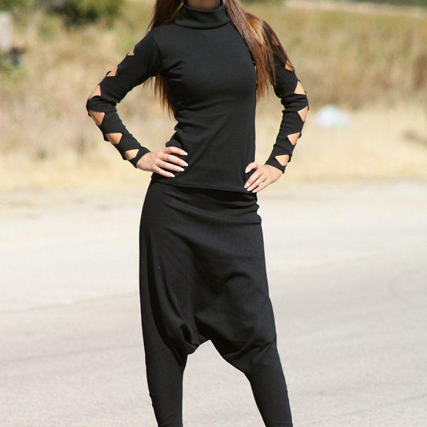 черна блуза с изразяни ефектни ръкави